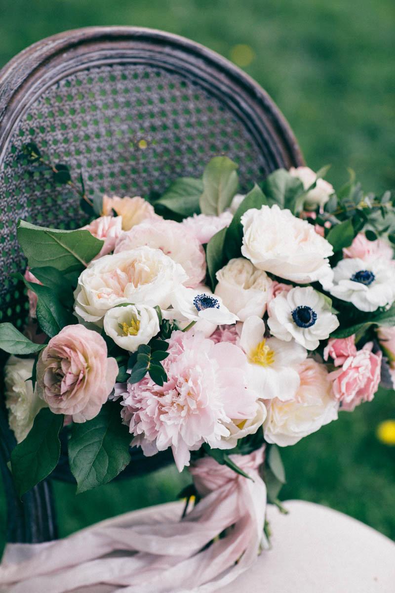 jessica-little-photography-vineyard-bride-swish-list-botanical-gardens-niagara-falls-editorial-18.jpg