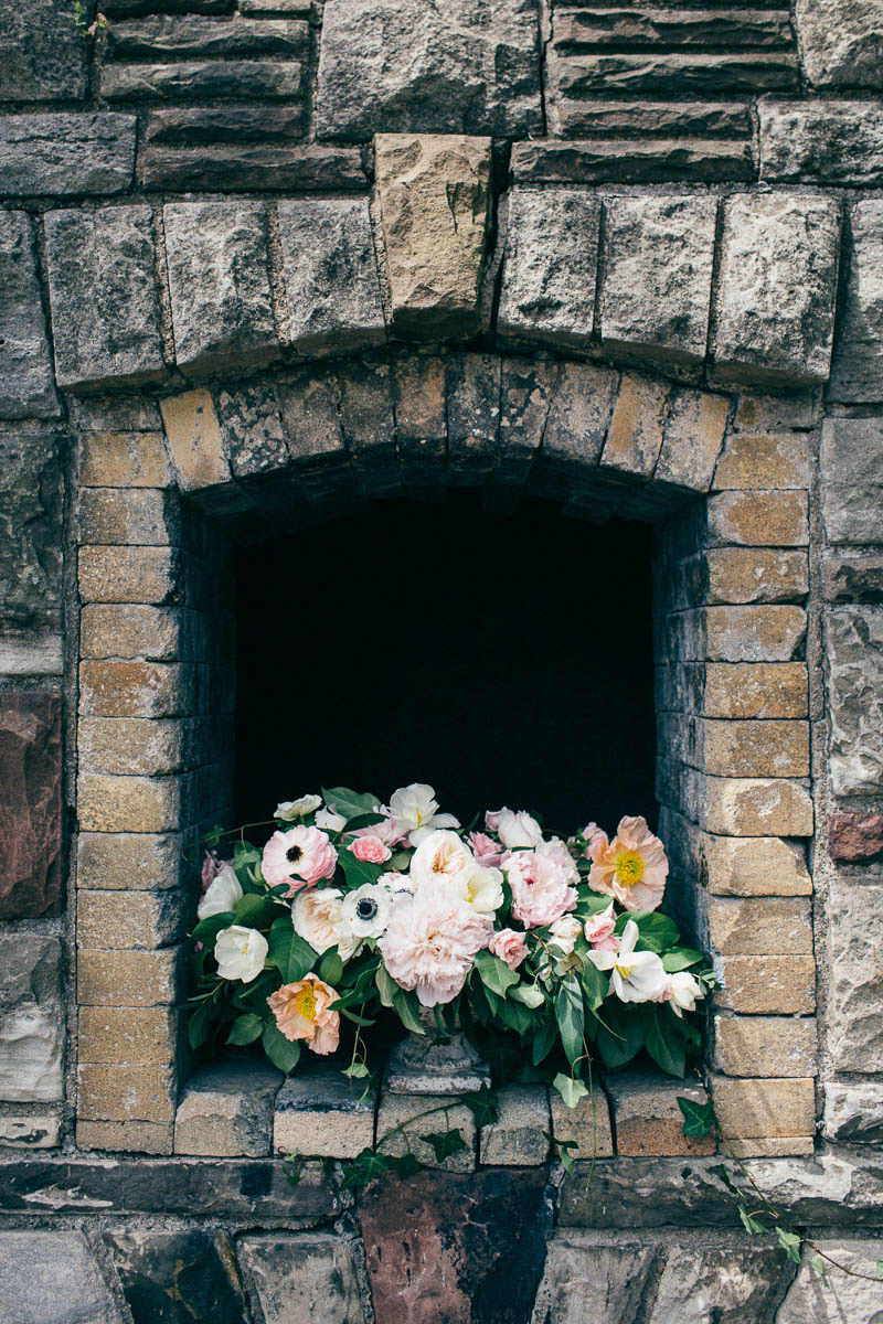 jessica-little-photography-vineyard-bride-swish-list-botanical-gardens-niagara-falls-editorial-22.jpg