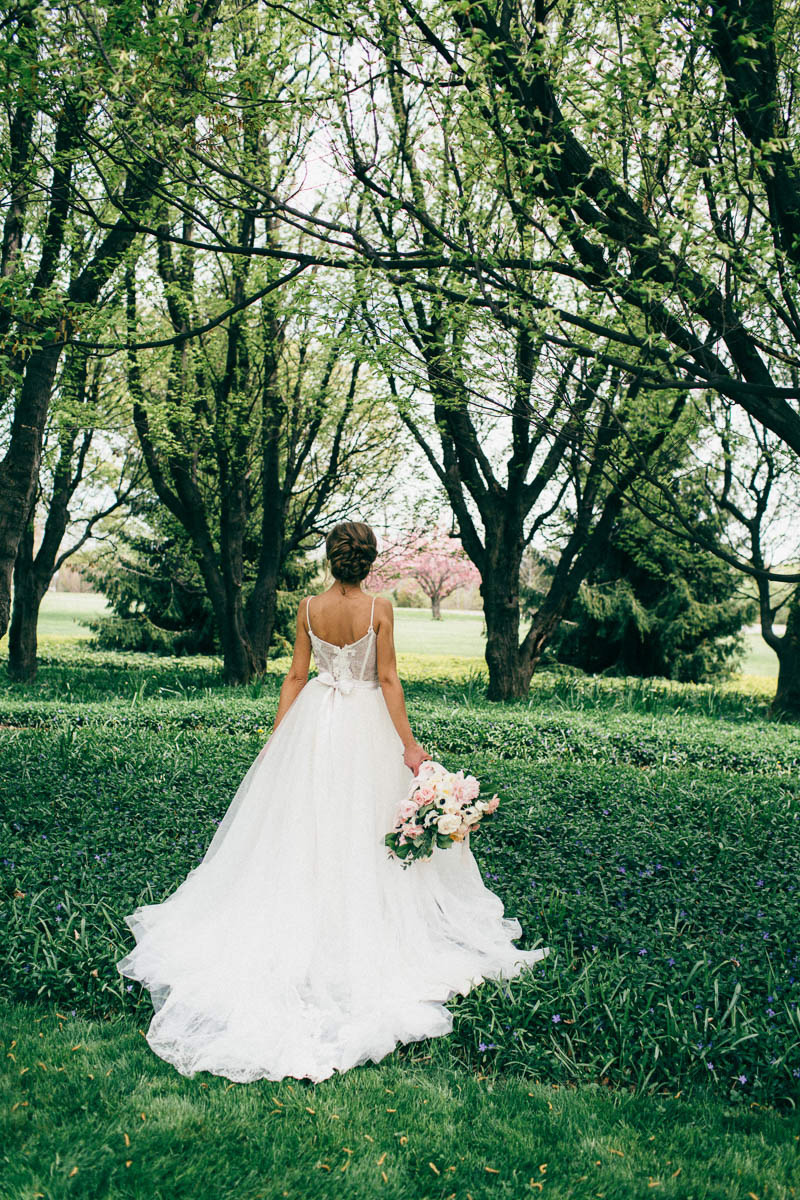 jessica-little-photography-vineyard-bride-swish-list-botanical-gardens-niagara-falls-editorial-25.jpg