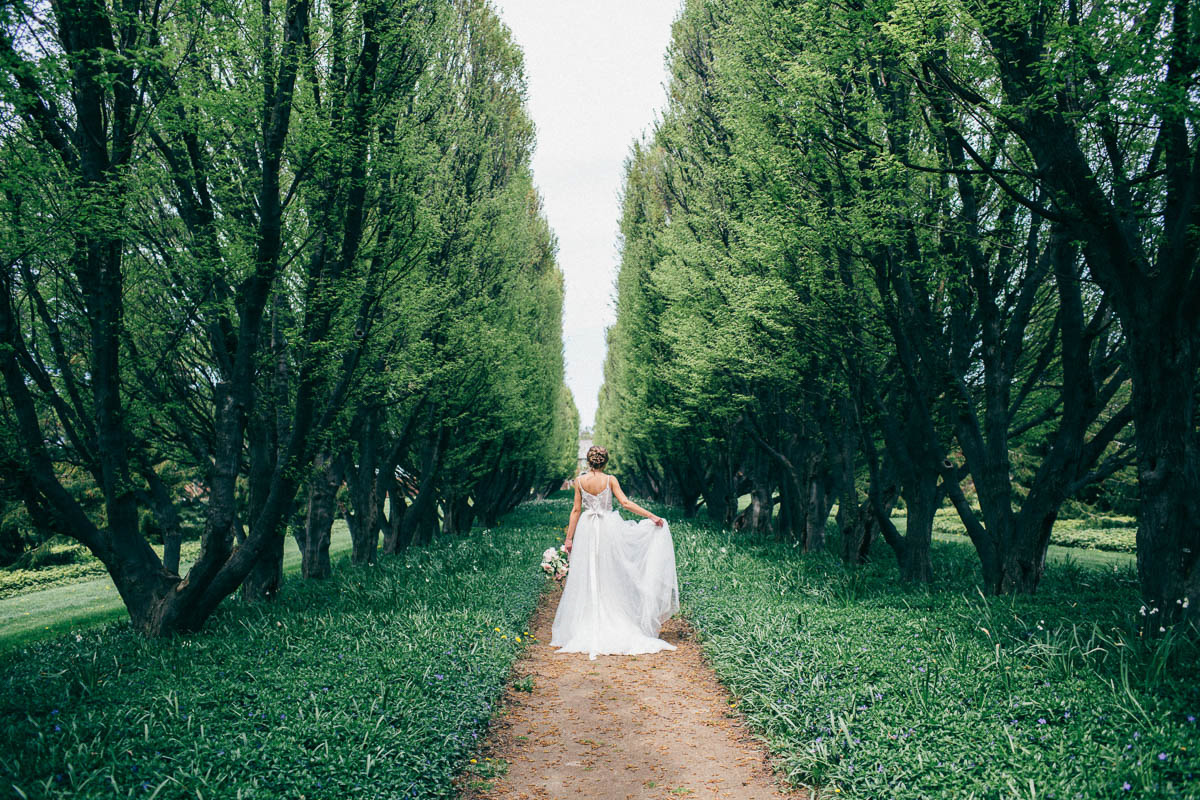 jessica-little-photography-vineyard-bride-swish-list-botanical-gardens-niagara-falls-editorial-26.jpg