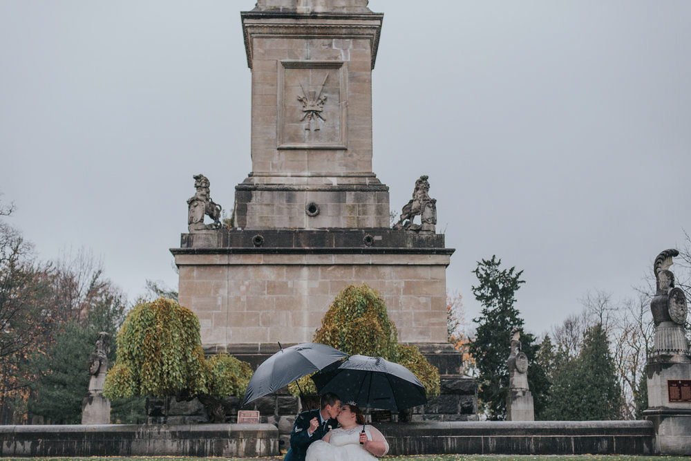 darling-mine-photography-vineyard-bride-swish-list-old-courthouse-niagara-on-the-lake-wedding-15.jpg