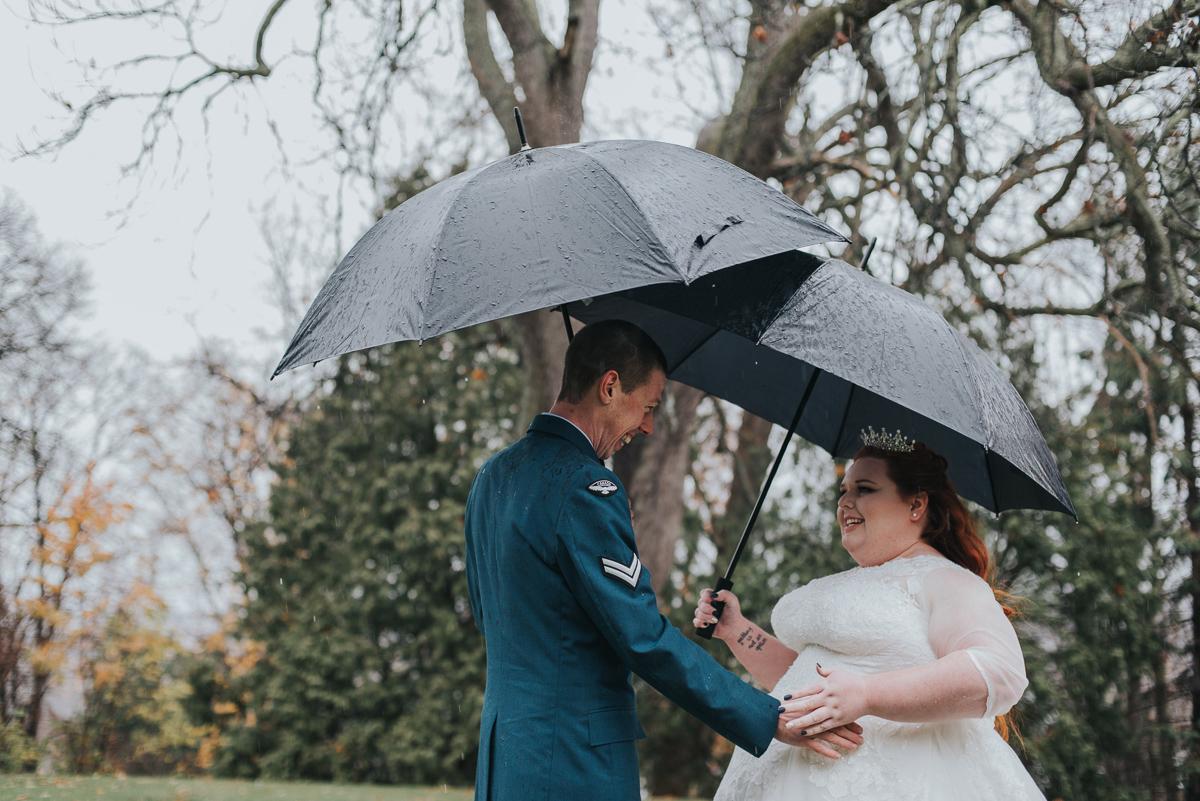 darling-mine-photography-vineyard-bride-swish-list-old-courthouse-niagara-on-the-lake-wedding-12.jpg