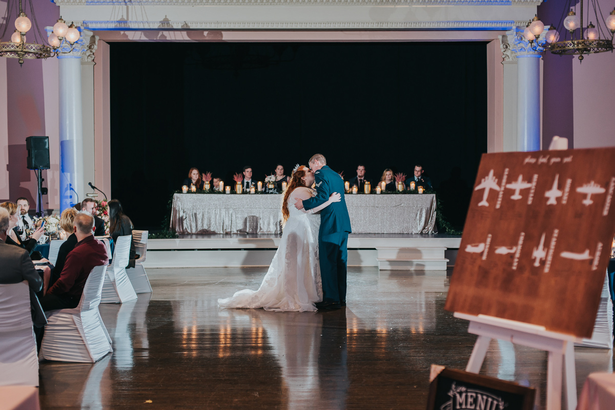 darling-mine-photography-vineyard-bride-swish-list-old-courthouse-niagara-on-the-lake-wedding-45.jpg