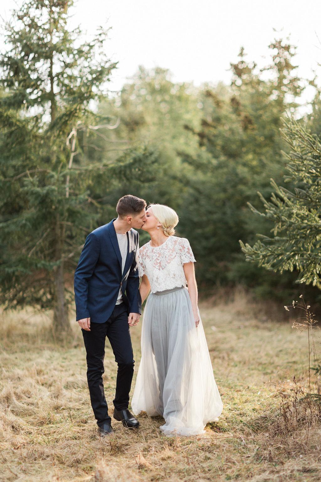 kayla-yestal-photography-vineyard-bride-swish-list-beamer-falls-manor-grimsby-engagement-1.jpg
