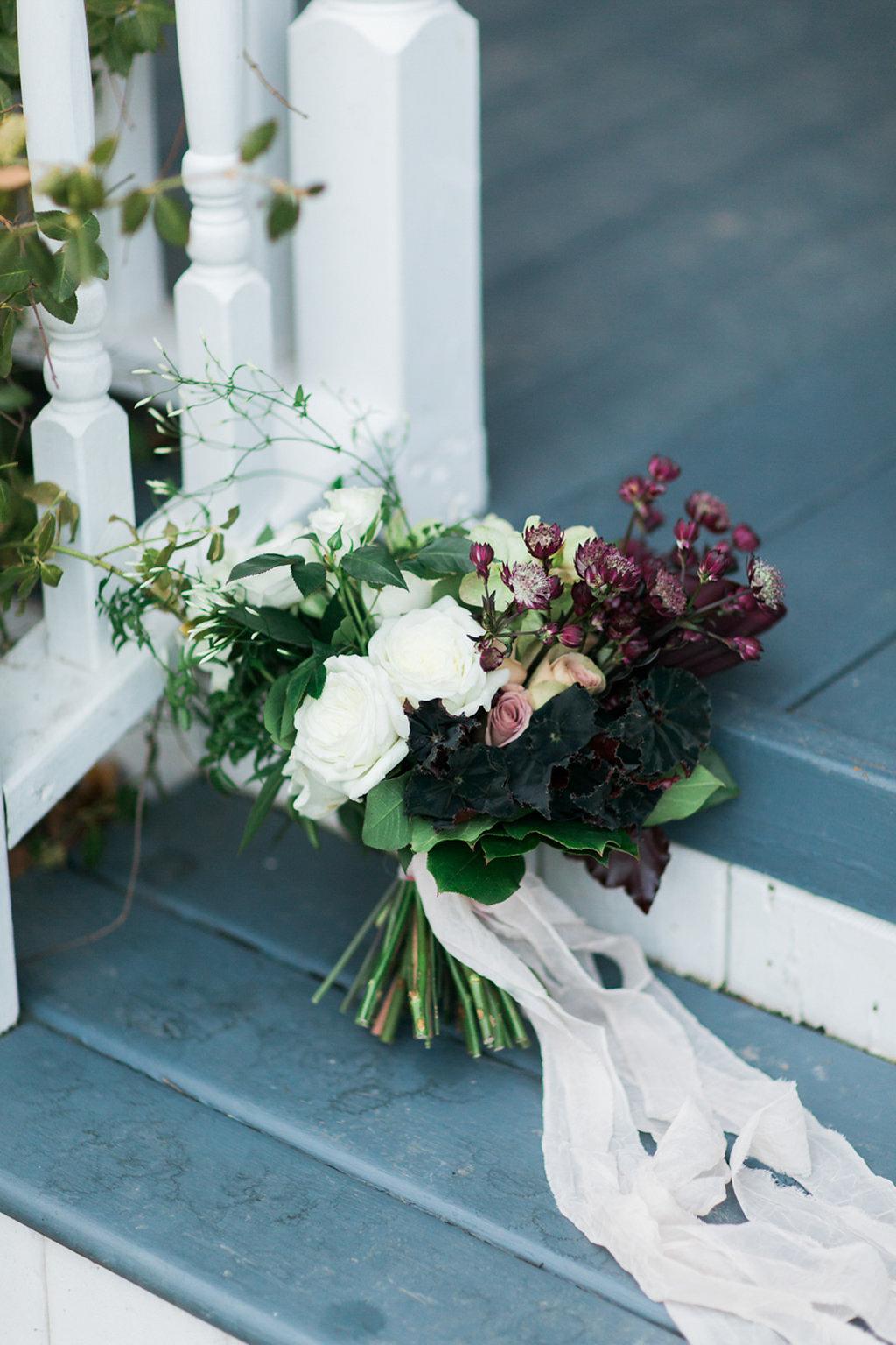kayla-yestal-photography-vineyard-bride-swish-list-beamer-falls-manor-grimsby-engagement-2.jpg