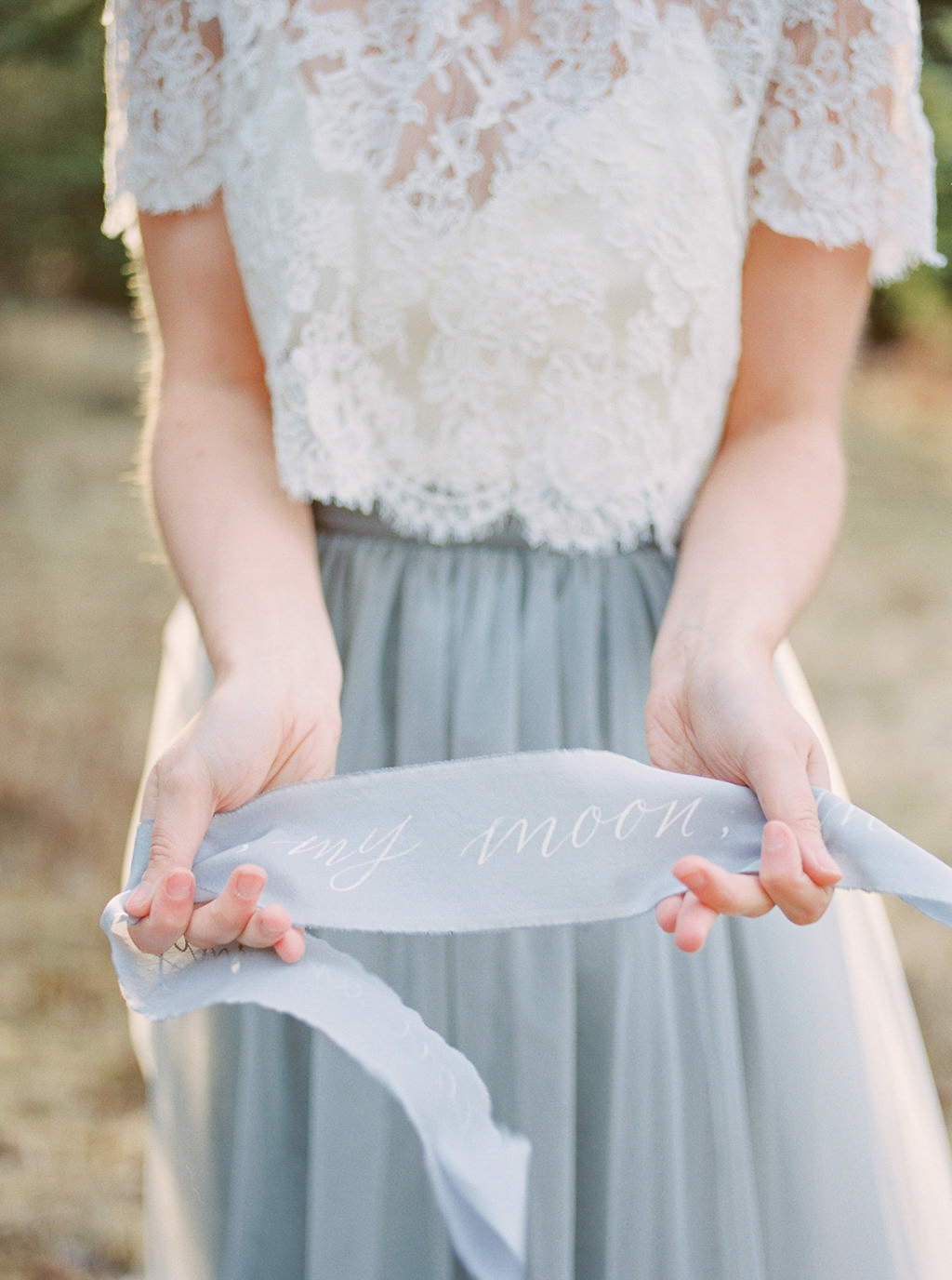 kayla-yestal-photography-vineyard-bride-swish-list-beamer-falls-manor-grimsby-engagement-16.jpg