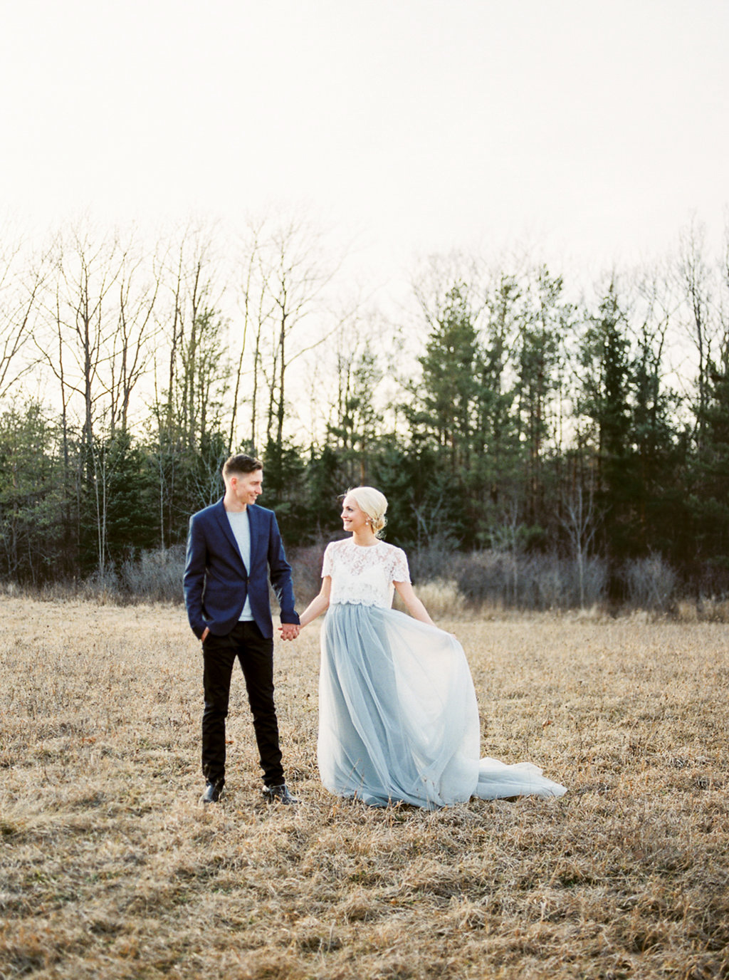 kayla-yestal-photography-vineyard-bride-swish-list-beamer-falls-manor-grimsby-engagement-17.jpg