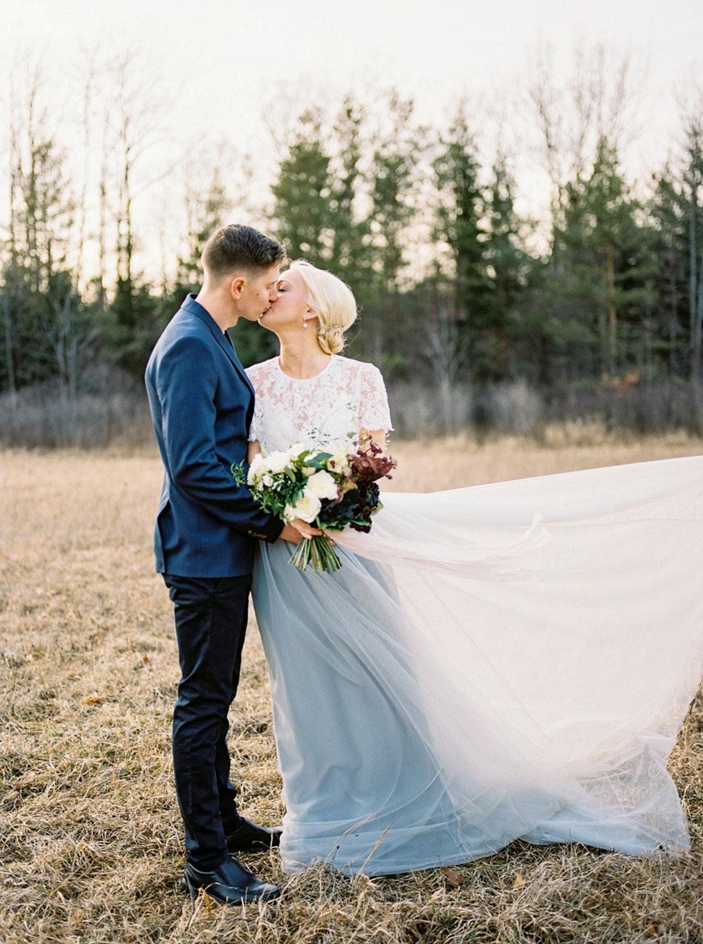 kayla-yestal-photography-vineyard-bride-swish-list-beamer-falls-manor-grimsby-engagement-22.jpg