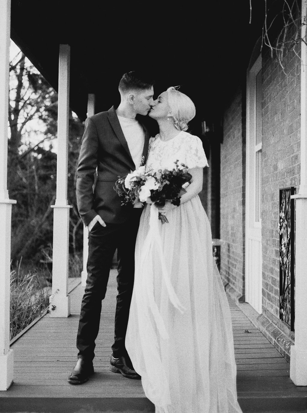 kayla-yestal-photography-vineyard-bride-swish-list-beamer-falls-manor-grimsby-engagement-24.jpg