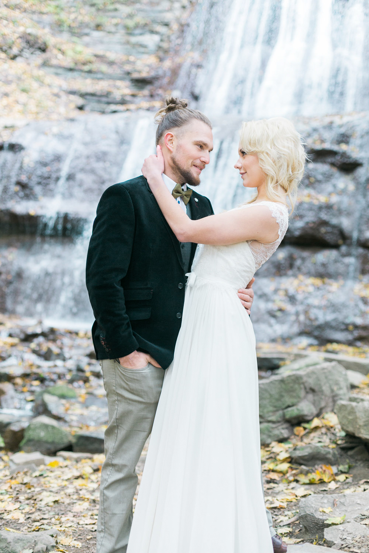 melissa-northcott-photography-vineyard-bride-swish-list-hamilton-waterfall-editorial-15.jpg