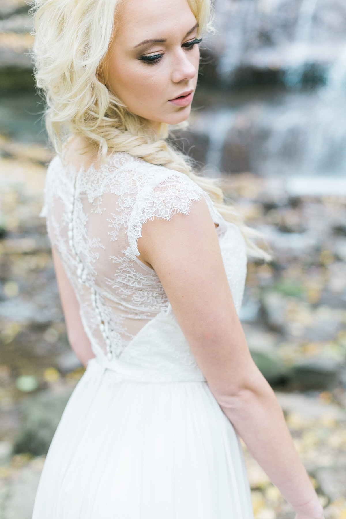 melissa-northcott-photography-vineyard-bride-swish-list-hamilton-waterfall-editorial-16.jpg