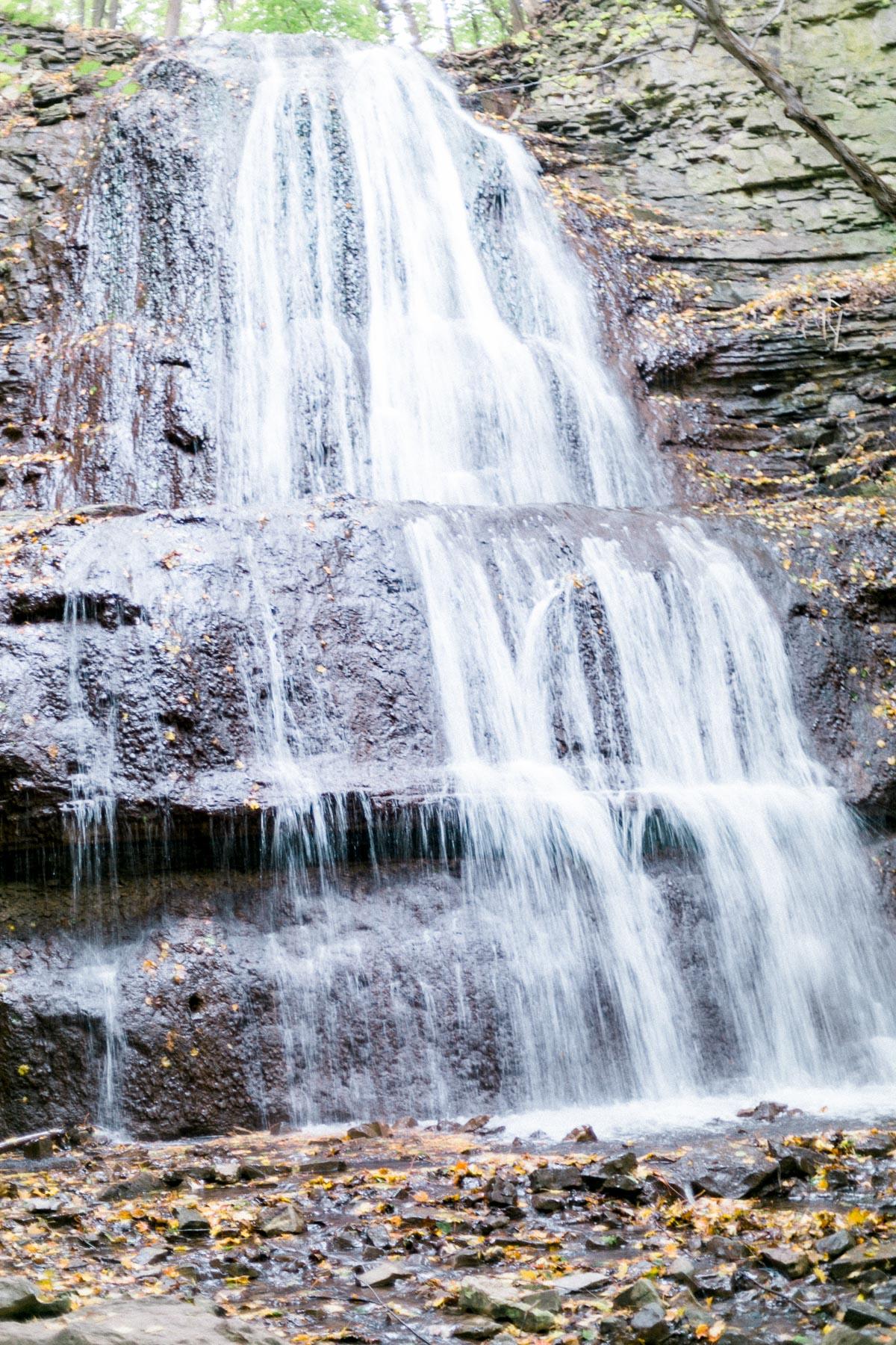 melissa-northcott-photography-vineyard-bride-swish-list-hamilton-waterfall-editorial-26.jpg
