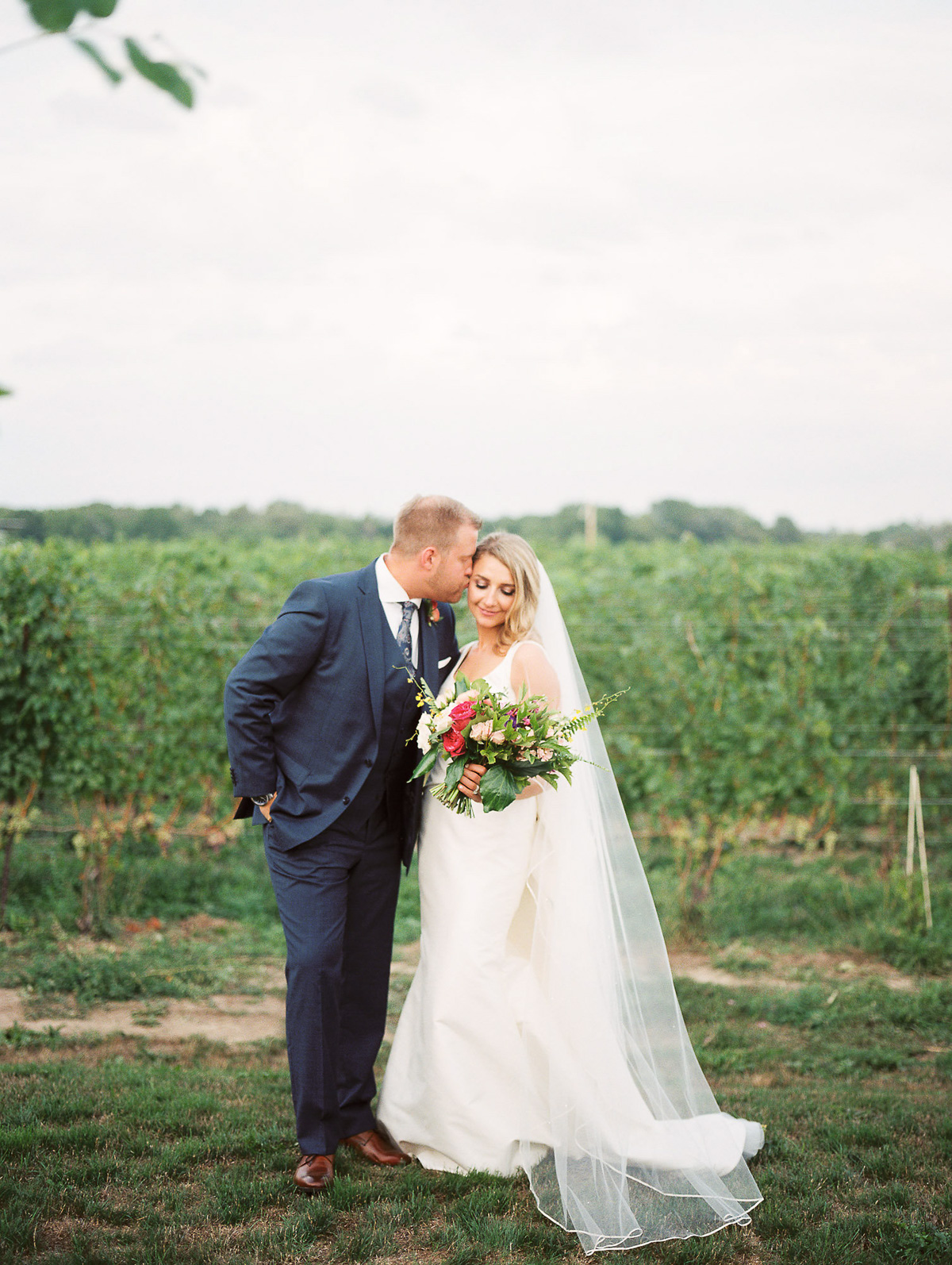 julia-park-photography-vineyard-bride-swish-list-stratus-winery-niagara-on-the-lake-wedding-26.jpg