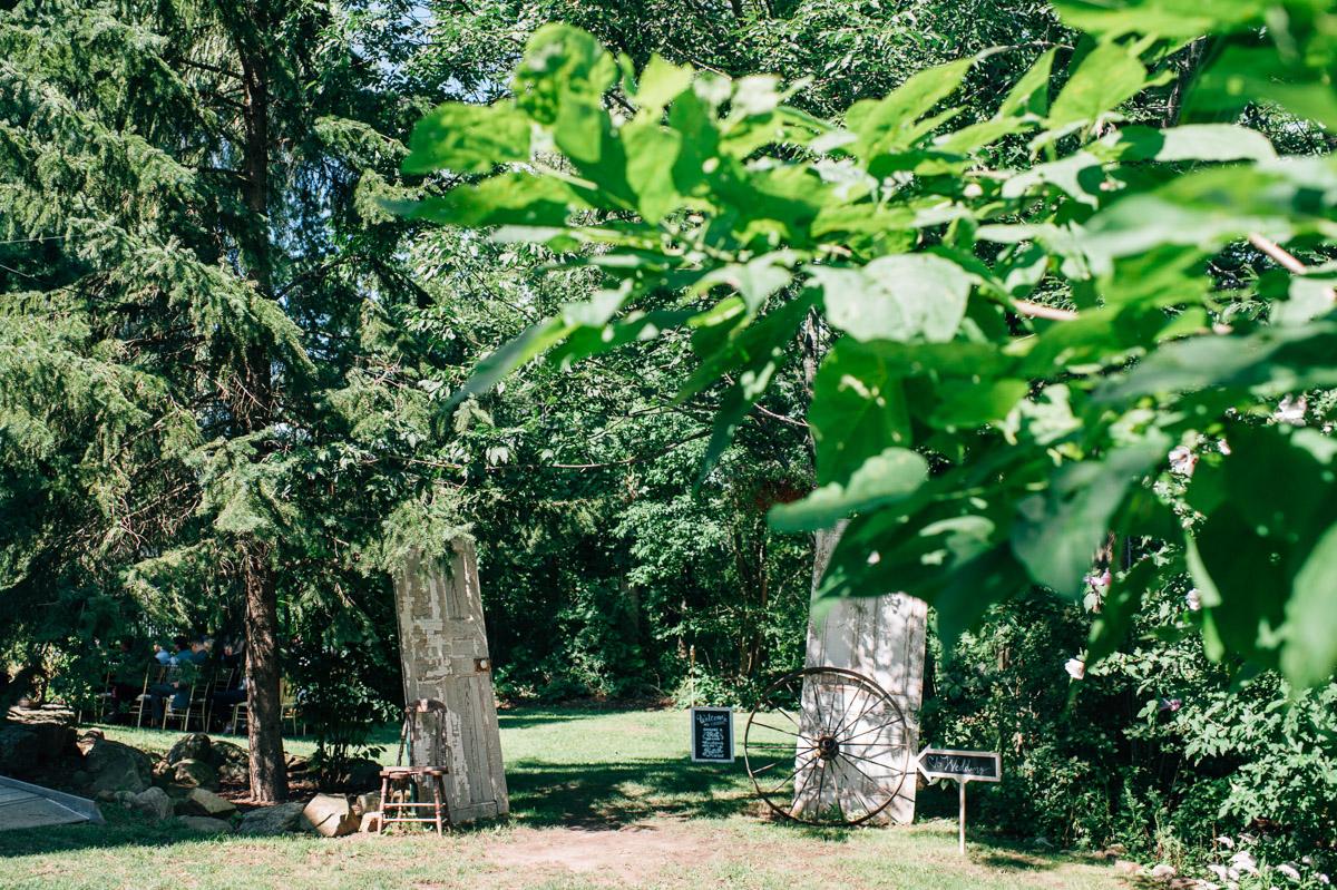 sara-wilde-photography-vineyard-bride-swish-list-beamer-falls-manor-grimsby-wedding-20.jpg