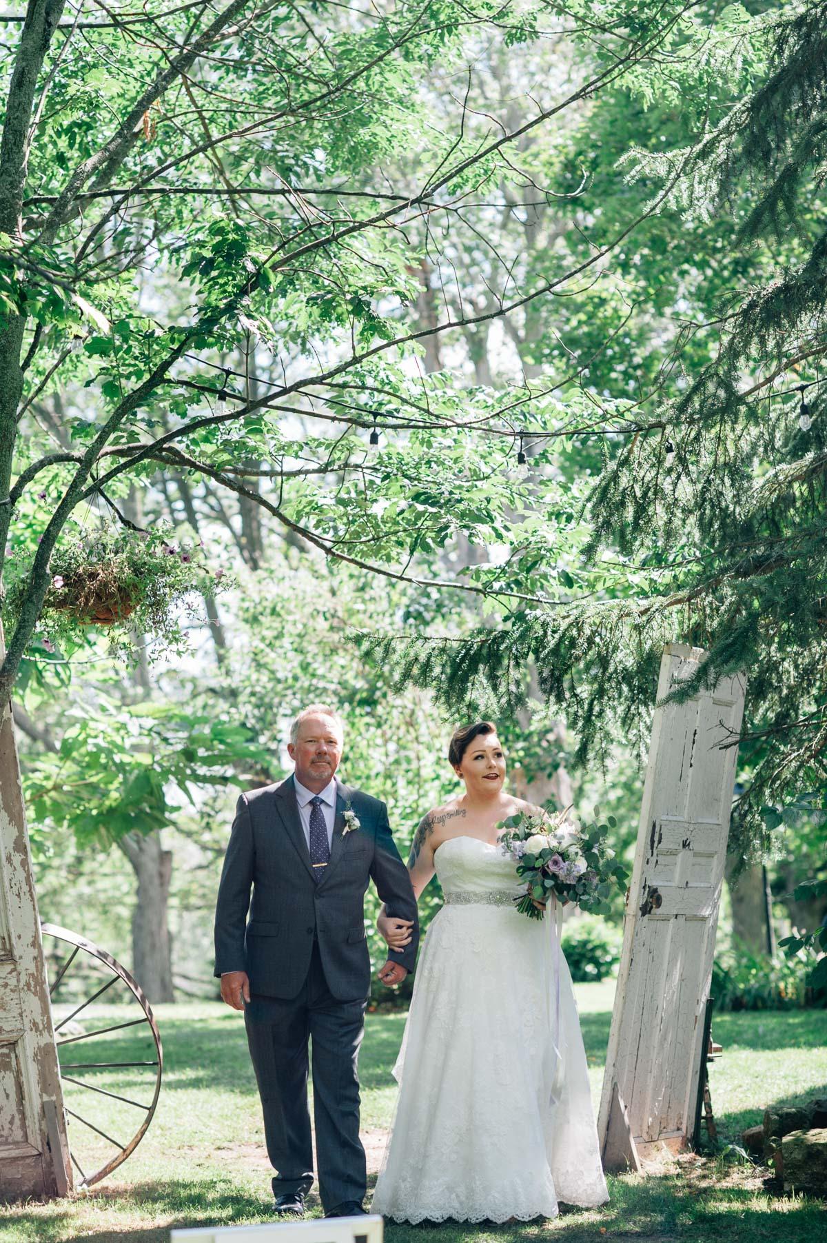 sara-wilde-photography-vineyard-bride-swish-list-beamer-falls-manor-grimsby-wedding-23.jpg