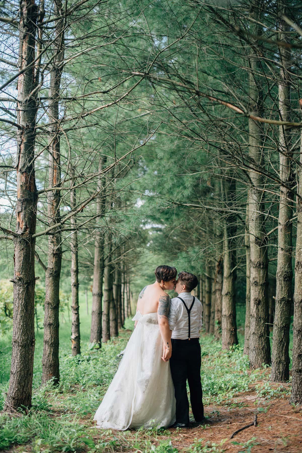 sara-wilde-photography-vineyard-bride-swish-list-beamer-falls-manor-grimsby-wedding-52.jpg