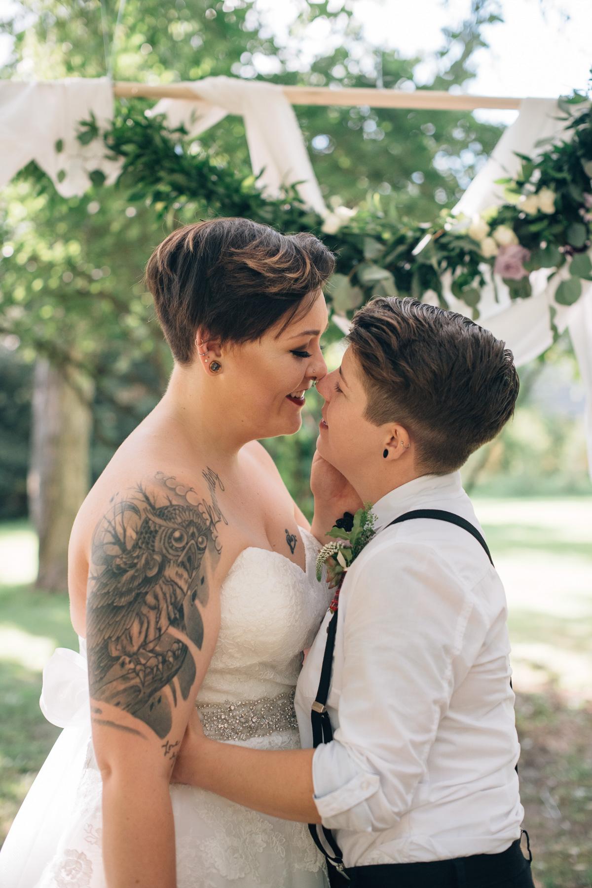 sara-wilde-photography-vineyard-bride-swish-list-beamer-falls-manor-grimsby-wedding-55.jpg