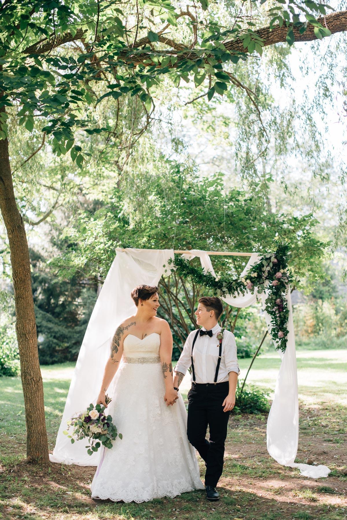 sara-wilde-photography-vineyard-bride-swish-list-beamer-falls-manor-grimsby-wedding-56.jpg