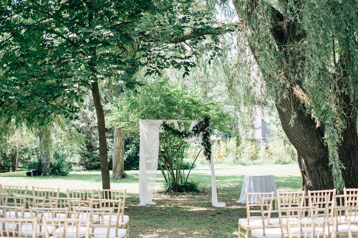 sara-wilde-photography-vineyard-bride-swish-list-beamer-falls-manor-grimsby-wedding-69.jpg