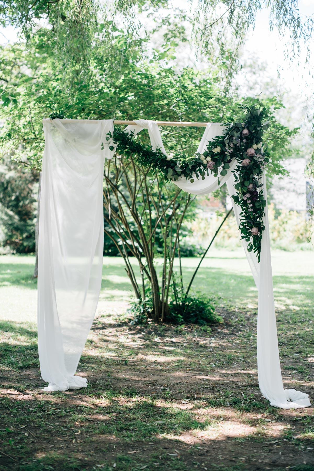 sara-wilde-photography-vineyard-bride-swish-list-beamer-falls-manor-grimsby-wedding-70.jpg