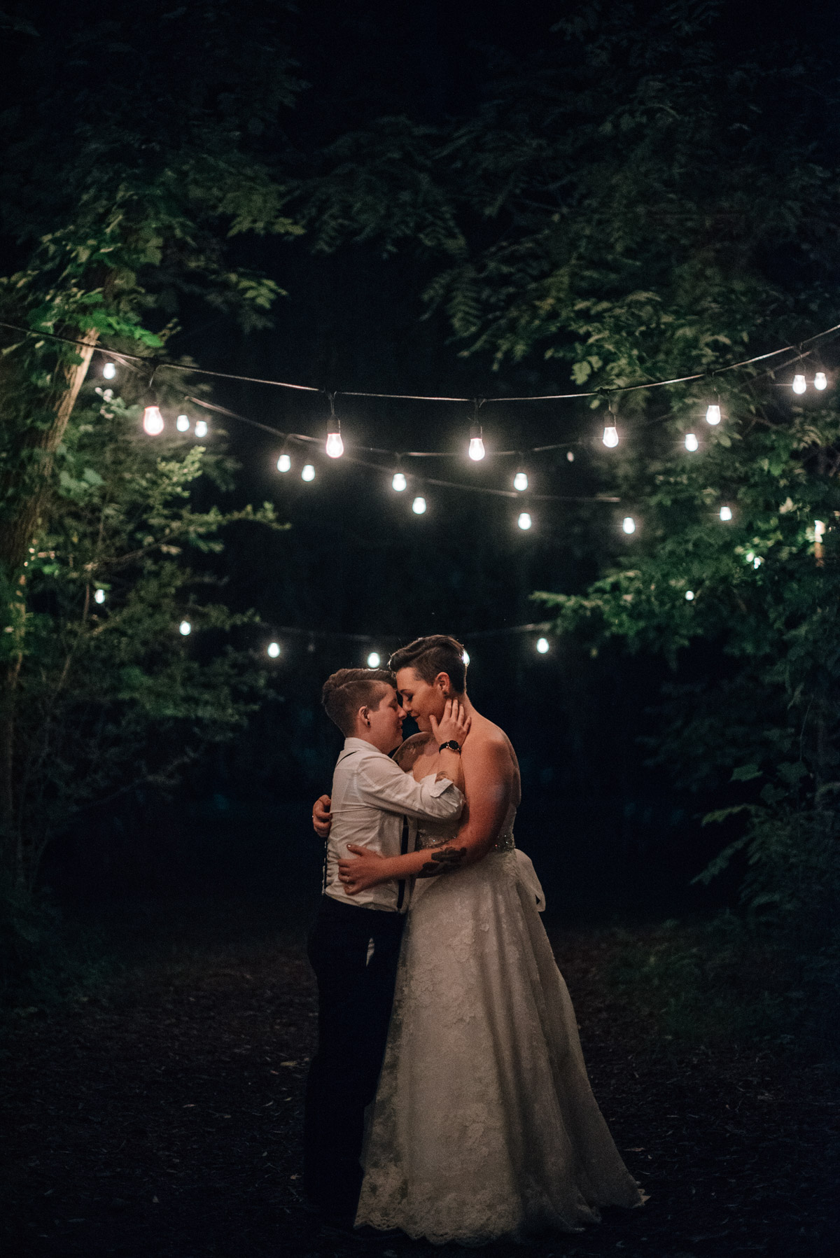 sara-wilde-photography-vineyard-bride-swish-list-beamer-falls-manor-grimsby-wedding-72.jpg