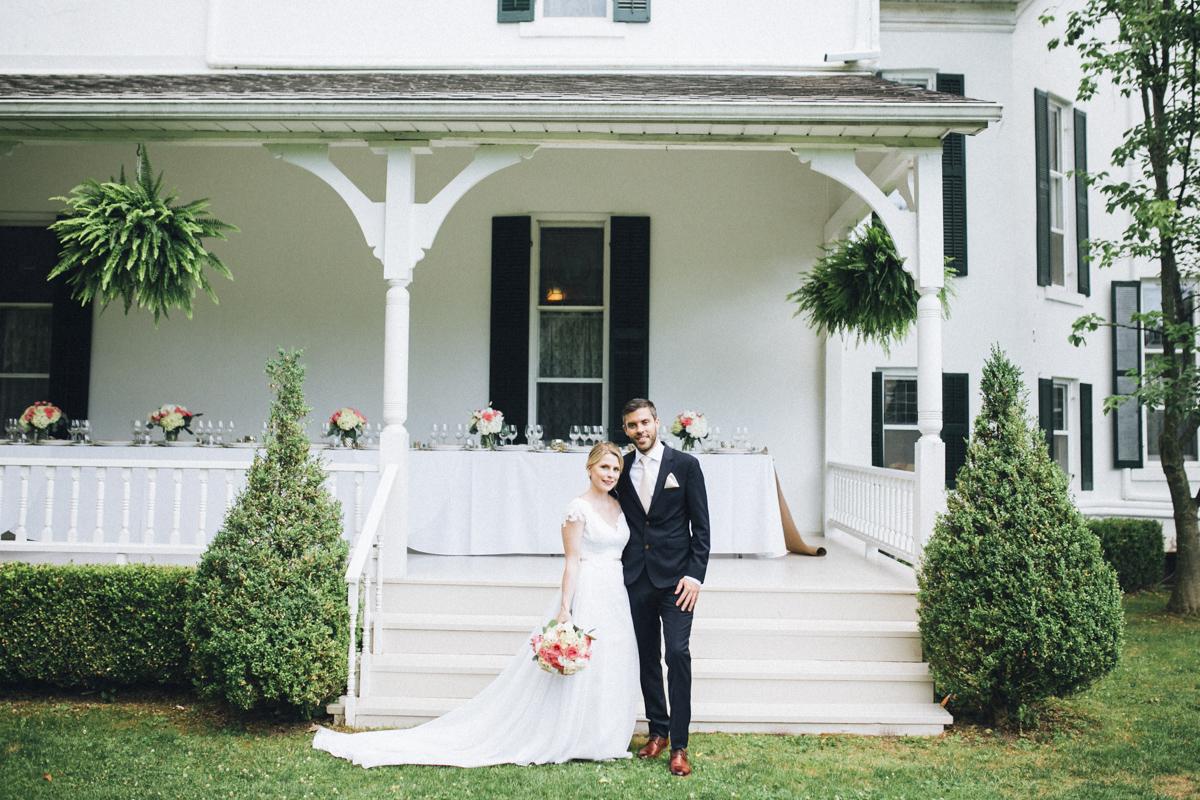 vineyard-bride-morning-light-photography-swish-list-outdoor-summer-wedding-grand-victorian-niagara-toronto-vendor034.JPG