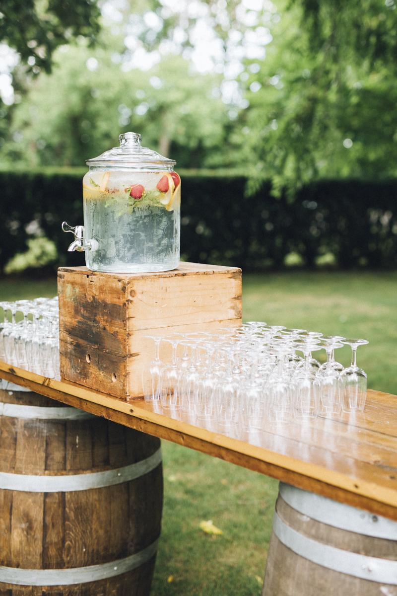 vineyard-bride-morning-light-photography-swish-list-outdoor-summer-wedding-grand-victorian-niagara-toronto-vendor041.JPG