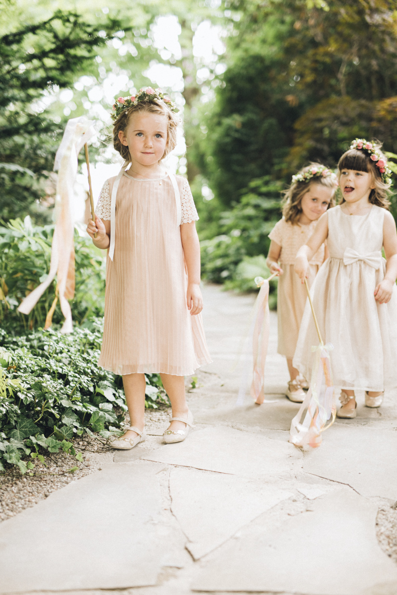 vineyard-bride-morning-light-photography-swish-list-outdoor-summer-wedding-grand-victorian-niagara-toronto-vendor046.JPG