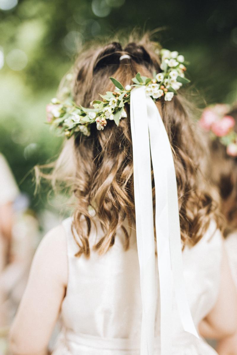 vineyard-bride-morning-light-photography-swish-list-outdoor-summer-wedding-grand-victorian-niagara-toronto-vendor047.JPG