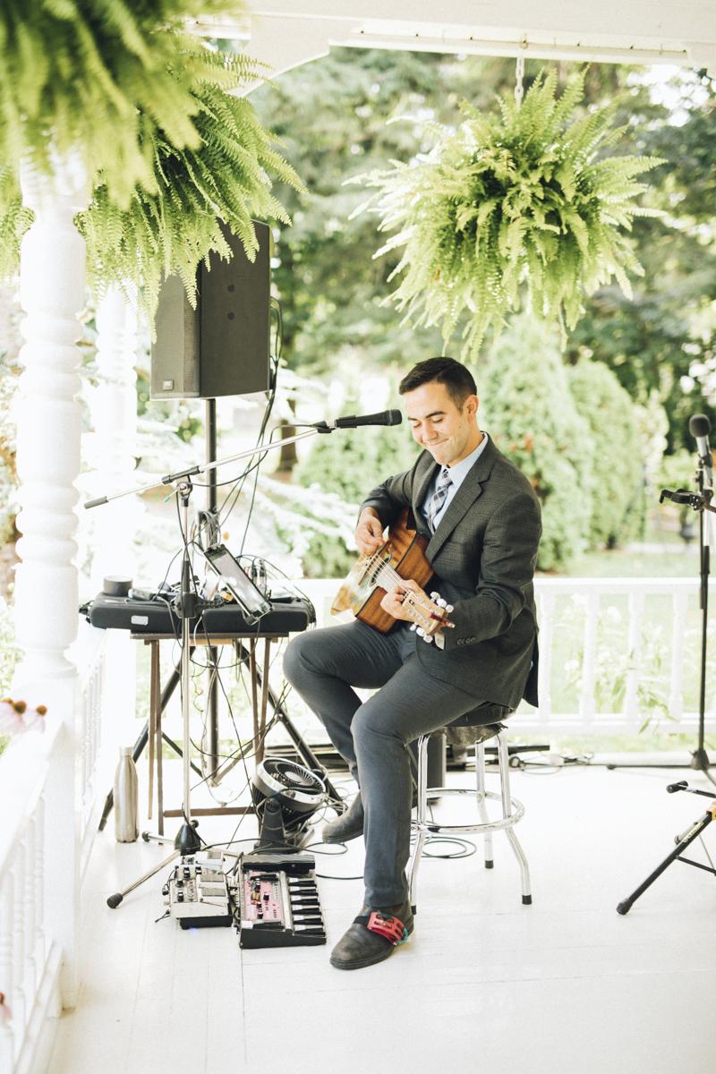 vineyard-bride-morning-light-photography-swish-list-outdoor-summer-wedding-grand-victorian-niagara-toronto-vendor048.JPG