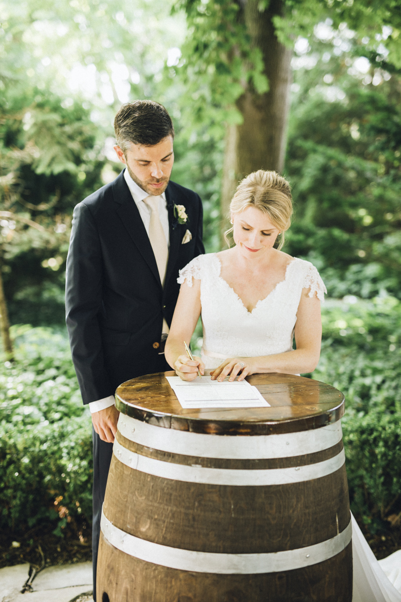 vineyard-bride-morning-light-photography-swish-list-outdoor-summer-wedding-grand-victorian-niagara-toronto-vendor051.JPG