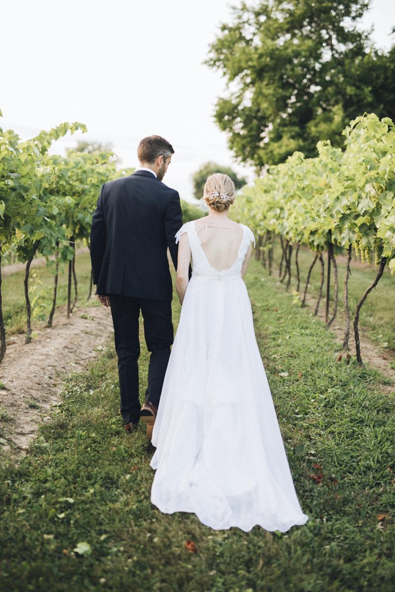 vineyard-bride-morning-light-photography-swish-list-outdoor-summer-wedding-grand-victorian-niagara-toronto-vendor069.JPG