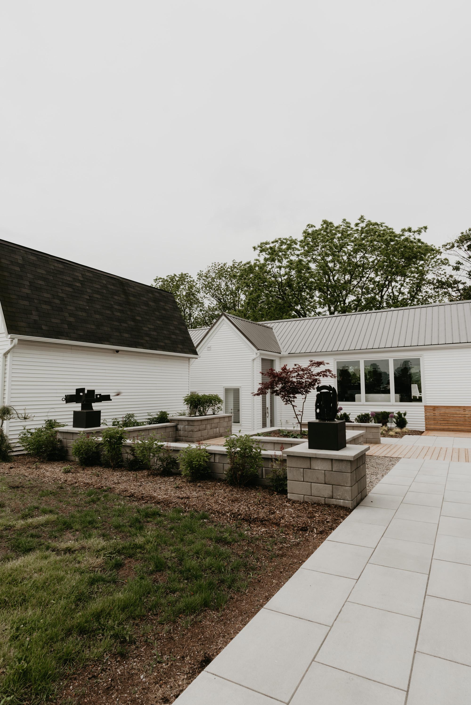 vineyard-bride-robin-sassi-outdoor-summer-wedding-redstone-winery-niagara-toronto-vendor-0002.JPG