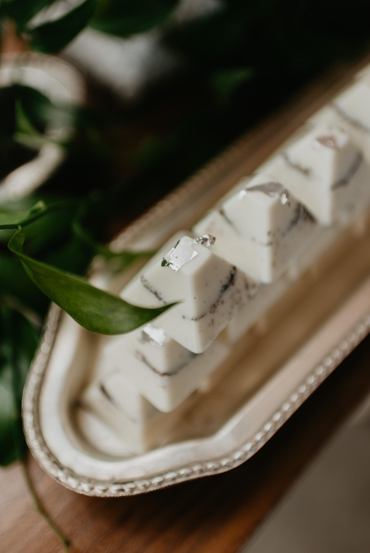 vineyard-bride-robin-sassi-outdoor-summer-wedding-redstone-winery-niagara-toronto-vendor-0039.JPG