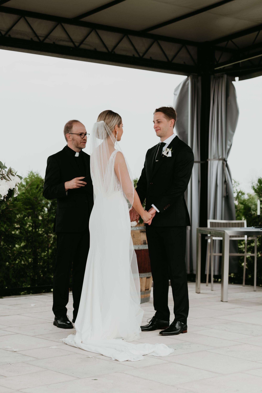 vineyard-bride-robin-sassi-outdoor-summer-wedding-redstone-winery-niagara-toronto-vendor-0047.JPG