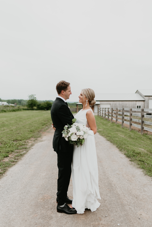 vineyard-bride-robin-sassi-outdoor-summer-wedding-redstone-winery-niagara-toronto-vendor-0055.JPG