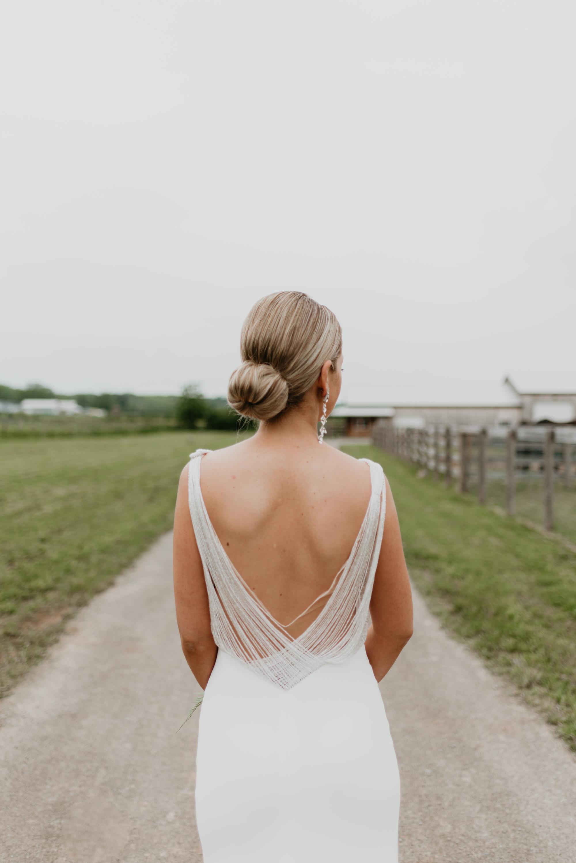 vineyard-bride-robin-sassi-outdoor-summer-wedding-redstone-winery-niagara-toronto-vendor-0058.JPG