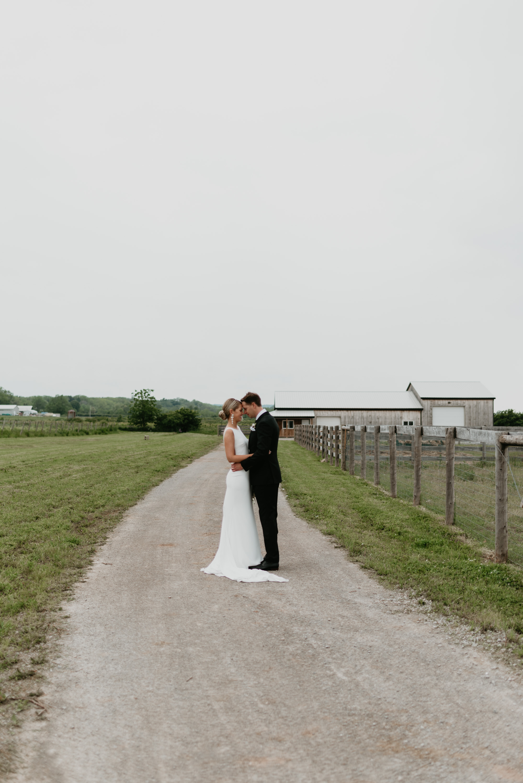 vineyard-bride-robin-sassi-outdoor-summer-wedding-redstone-winery-niagara-toronto-vendor-0061.JPG