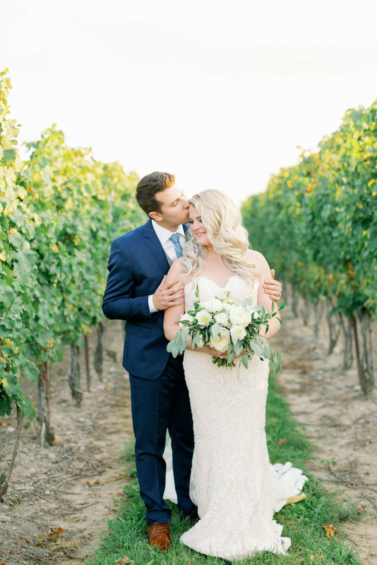 vineyard-bride-kayla-yestal-outdoor-summer-wedding-honsberger-estate-winery-niagara-toronto-vendor-0043.jpg