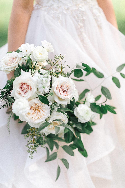 tamara-lockwood-photography-vineyard-bride-swish-list-the-old-courthouse-niagara-on-the-lake-wedding-28.jpg