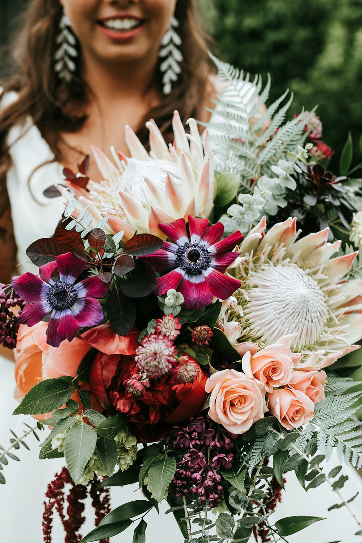 Kurtz-Orchards-Wedding-Niagara-wedding-Vineyard-Bride-Photography-by-Kayla-Rocca-005.jpeg