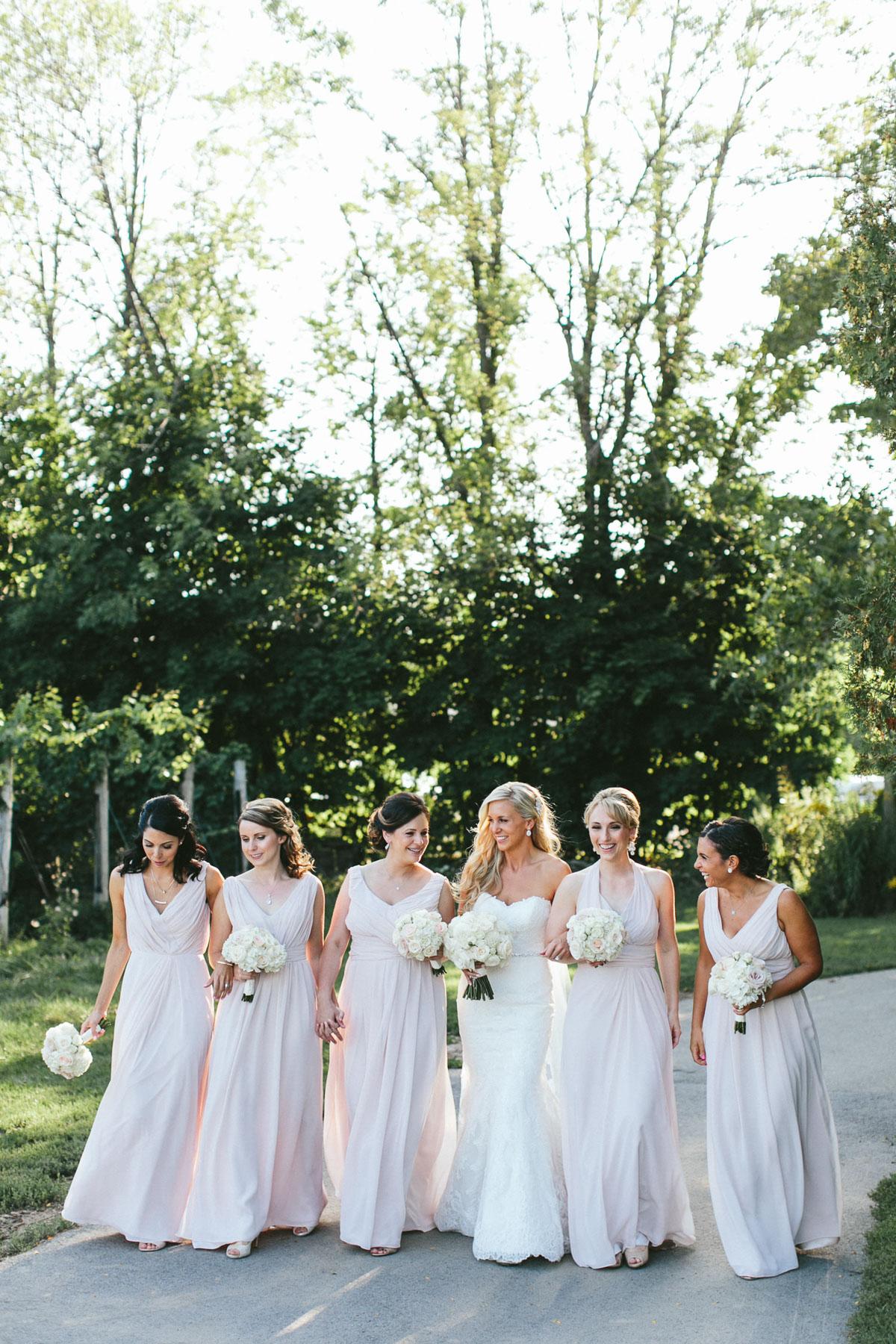 brandon-scott-photography-vineyard-bride-swish-list-stratus-vineyard-niagara-on-the-lake-wedding-21.jpg