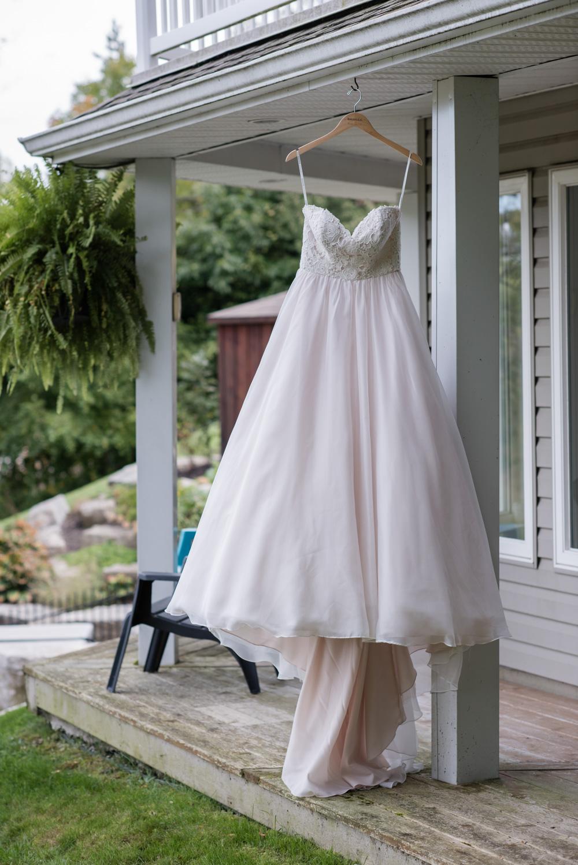 vineyard-bride-love-always-photography-ruthven-park-caygua-niagara-wedding-venue-toronto-southern-ontario007.jpg