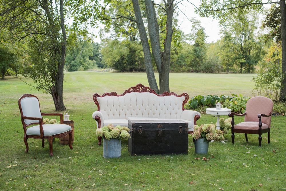 vineyard-bride-love-always-photography-ruthven-park-caygua-niagara-wedding-venue-toronto-southern-ontario014.jpg