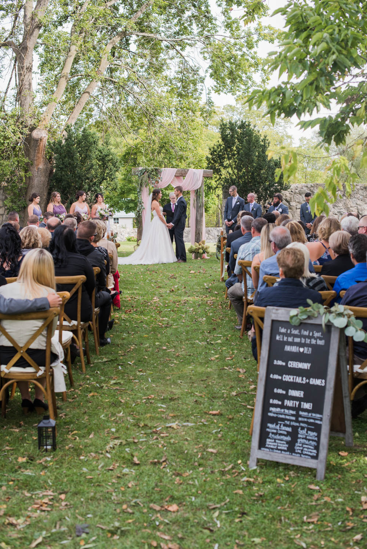 vineyard-bride-love-always-photography-ruthven-park-caygua-niagara-wedding-venue-toronto-southern-ontario028.jpg