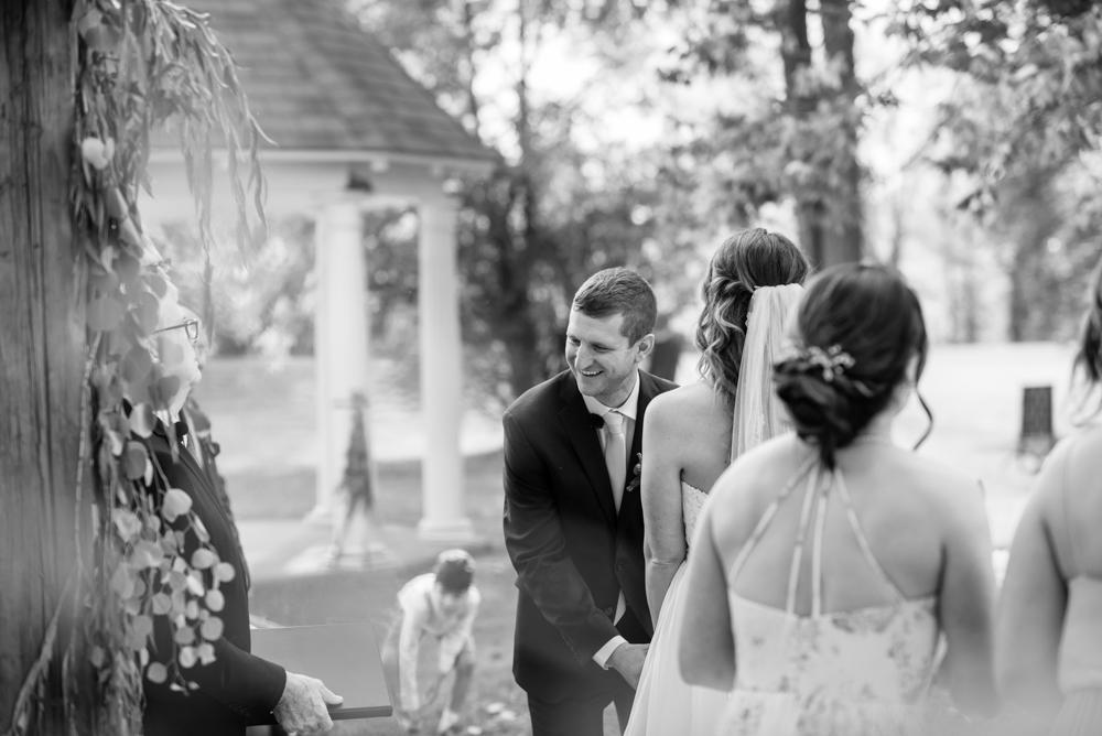 vineyard-bride-love-always-photography-ruthven-park-caygua-niagara-wedding-venue-toronto-southern-ontario030.jpg
