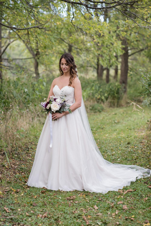 vineyard-bride-love-always-photography-ruthven-park-caygua-niagara-wedding-venue-toronto-southern-ontario036.jpg