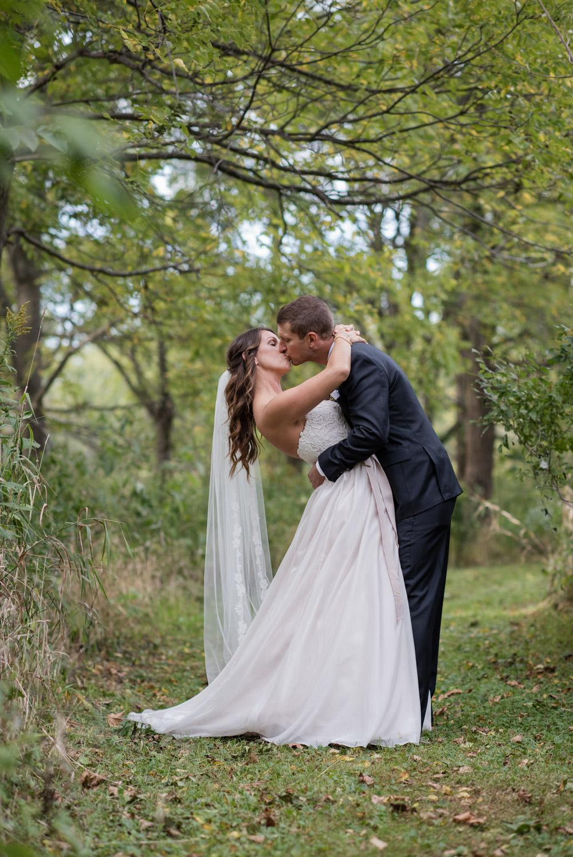 vineyard-bride-love-always-photography-ruthven-park-caygua-niagara-wedding-venue-toronto-southern-ontario038.jpg