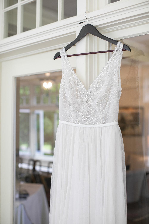 vineyard-bride-philosophy-studios-outdoor-summer-wedding-the-tamahaac-club-niagara-ancaster-toronto-vendor-0016.JPG