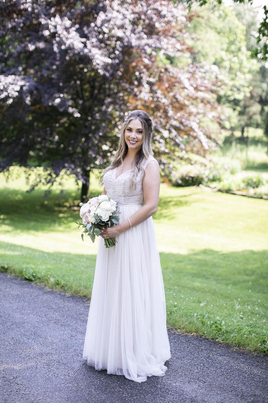 vineyard-bride-philosophy-studios-outdoor-summer-wedding-the-tamahaac-club-niagara-ancaster-toronto-vendor-0050.JPG